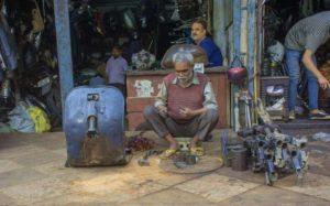 mobile phone photo walk old delhi